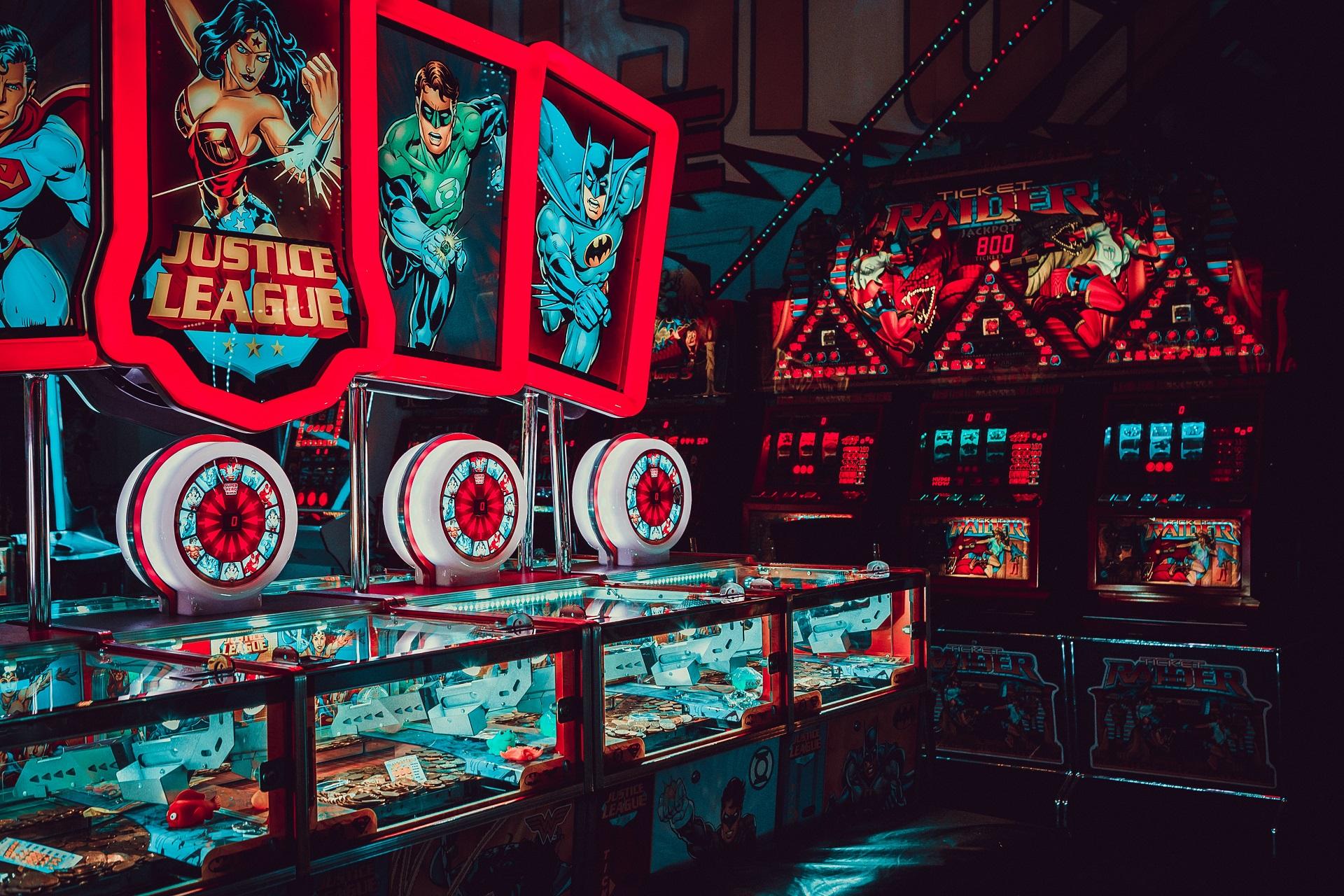カジノのいくつかのデザインの内部の非常に奇妙な外観